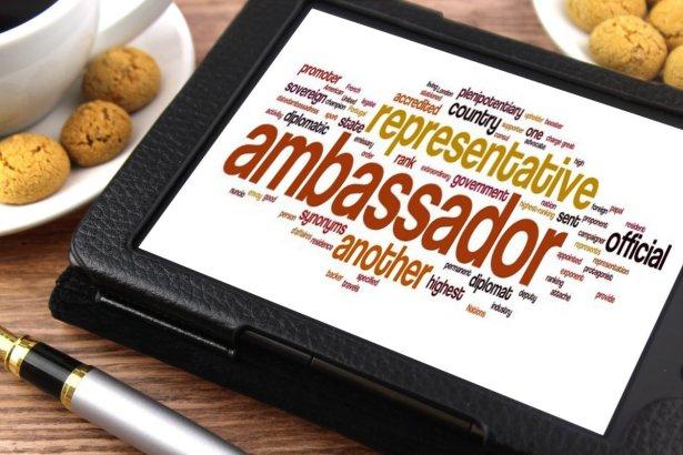 Brand ambassador: cosa è, cosa fa, compensi